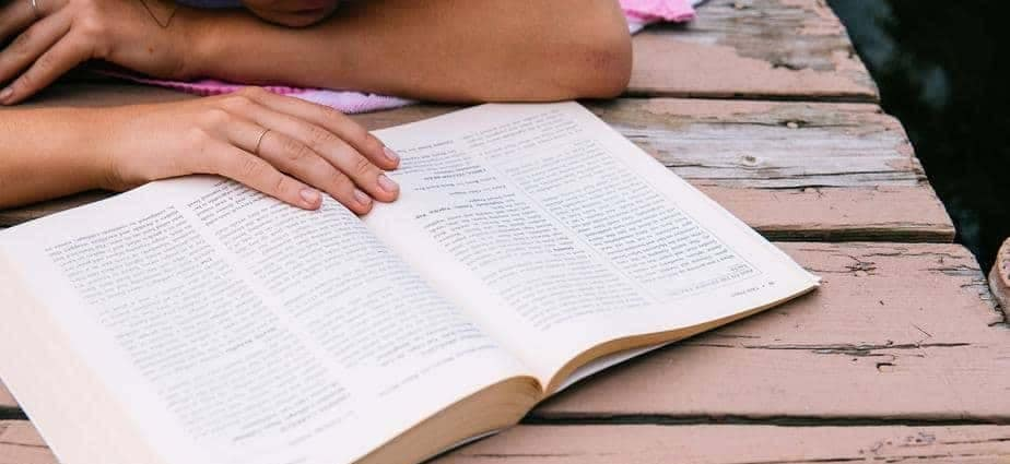 Detox and Reduce Stress by Reading